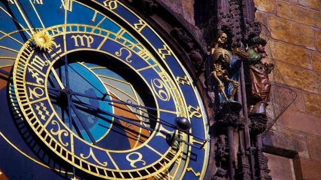 horloge-astronomique-prague-1