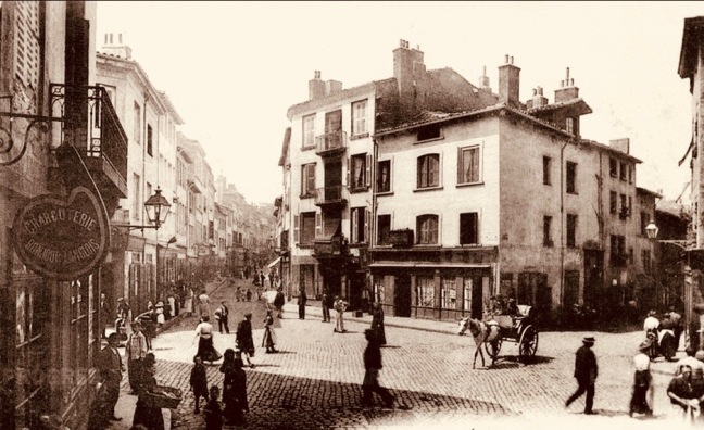 l-ancienne-place-roannelle-au-debut-du-xx-e-siecle-photo-dr-1479278308